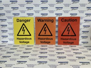 Set of 3 electric car safety signs